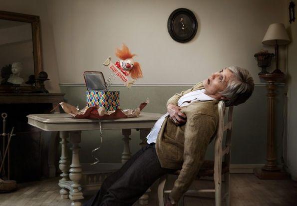 everybody-love-surprises-emotes-death-grannies_big
